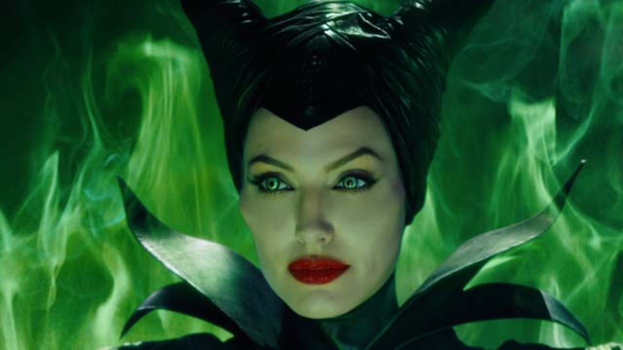 Maleficent Movie Review Visually Stunning But The Usual Disney Fare Smash Cut Reviews