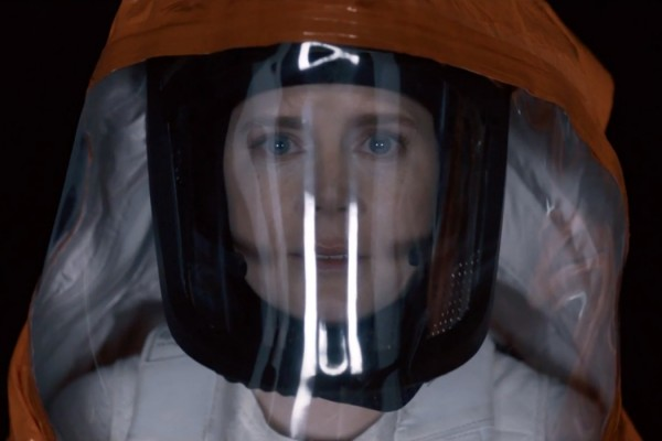 Arrival Movie Review — One of the Best Sci-Fi Movies of the Decade